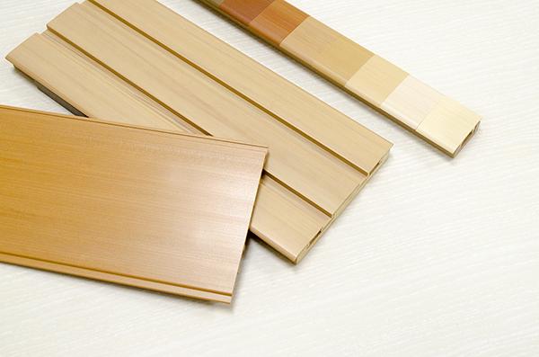 押出成形:硬質樹脂品(樹脂による木目[マーブル]調の成形)
