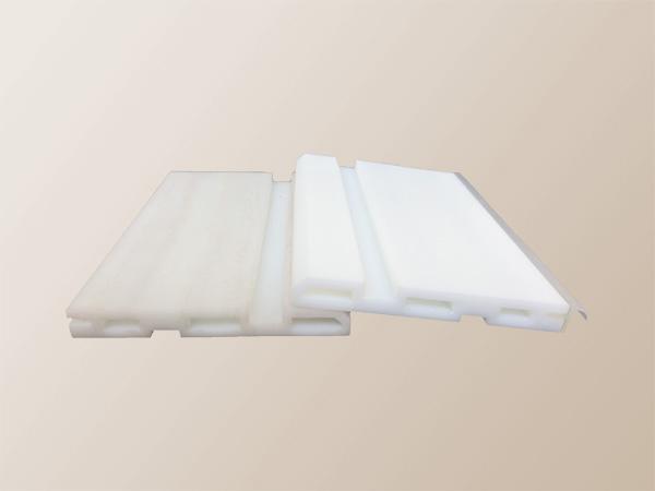 白色(ABSライク)+半透明色(ゴムライク)